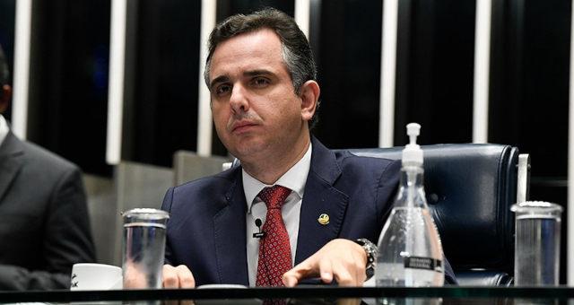 Rodrigo Pacheco durante sessão no Senado