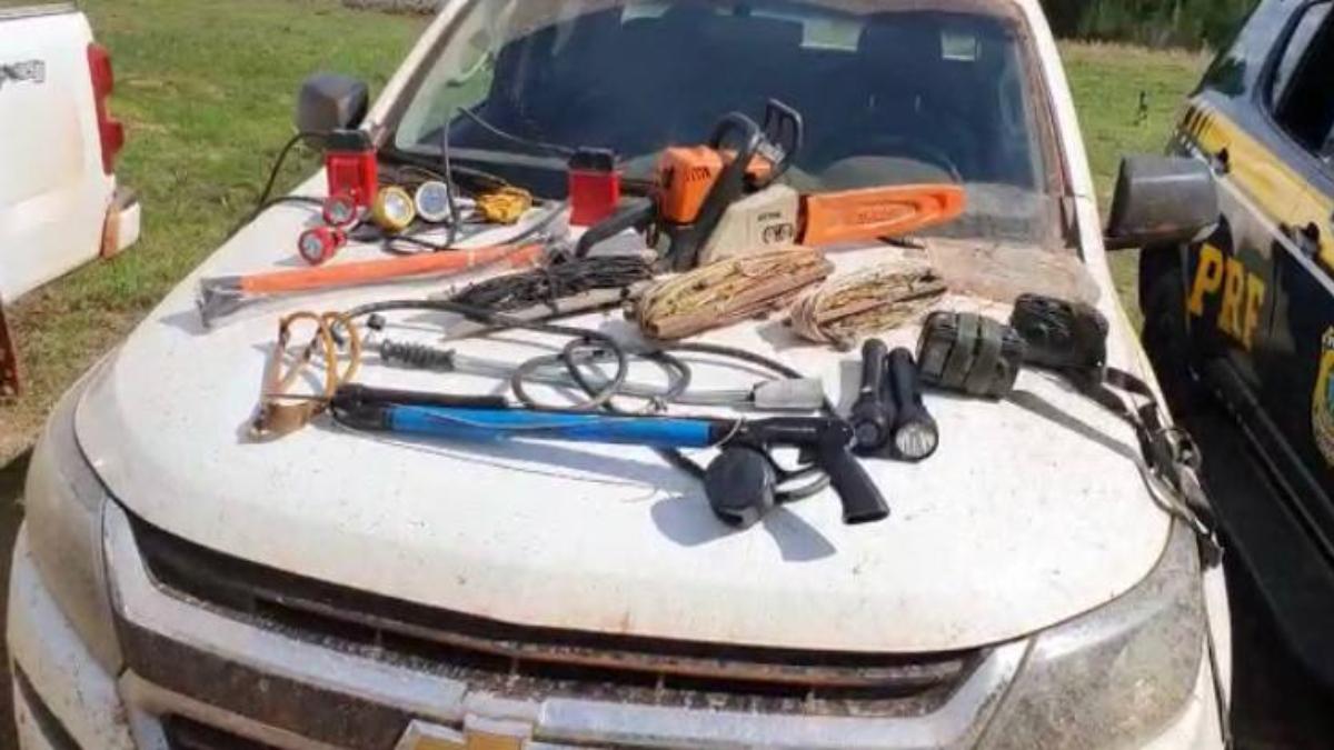 Operação apreende armas e material de pesca ilegal no Vale do Araguaia