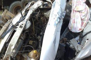 Condutor bate em caminhão e morre na GO-219, em Bela Vista (Foto: Reprodução/Leitor)
