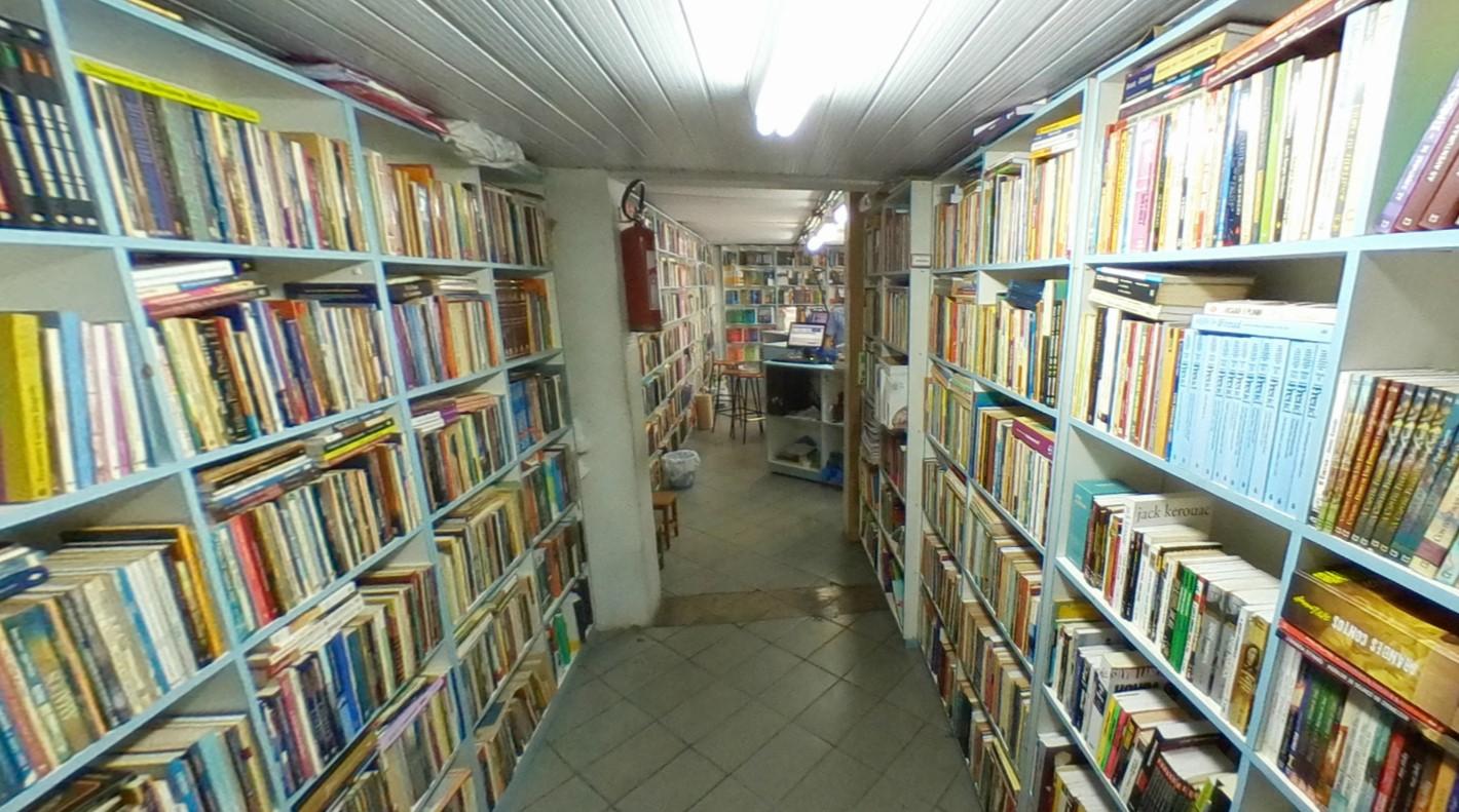 Universo do Livro é uma das livrarias com entrega em Goiânia
