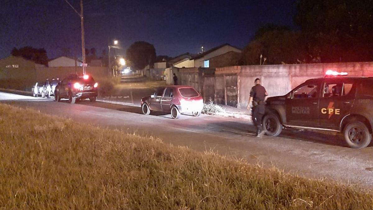Preso suspeito de furtar dois carros, em Aparecida de Goiânia. Homem havia saído da prisão há 48 horas, usando tornozeleira eletrônica