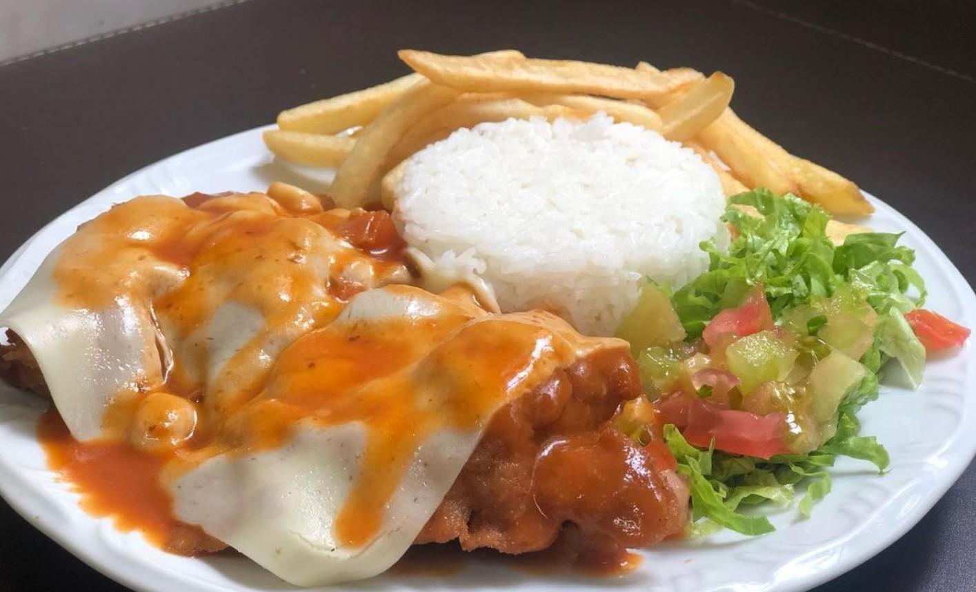 Helena Restaurante é opção de almoço executivo em Goiânia