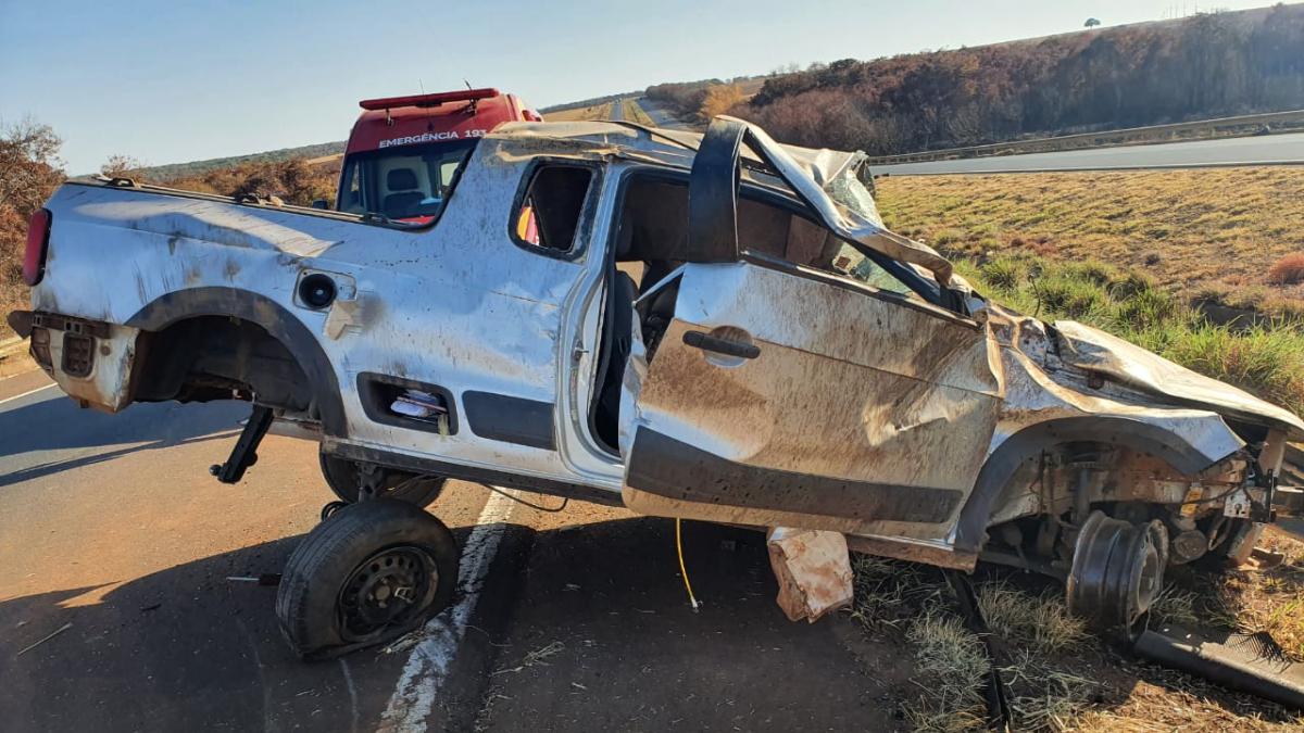 Foto ilustra: Capotamento mata casal na BR-060, em Jataí: motorista estava sem cinto