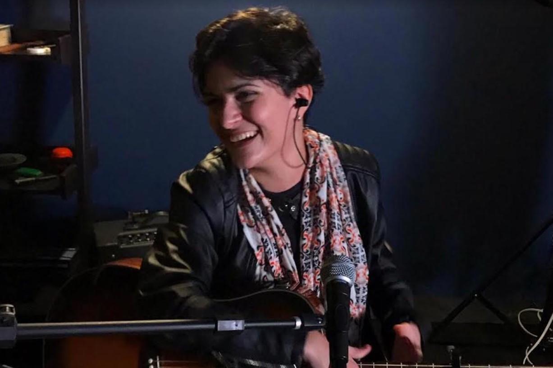 Cantora Ingrid Fraga apresenta show beneficente em Goiânia