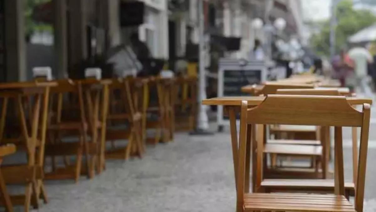 Bares e restaurantes oferecem mil vagas de emprego em Goiânia: saiba mais