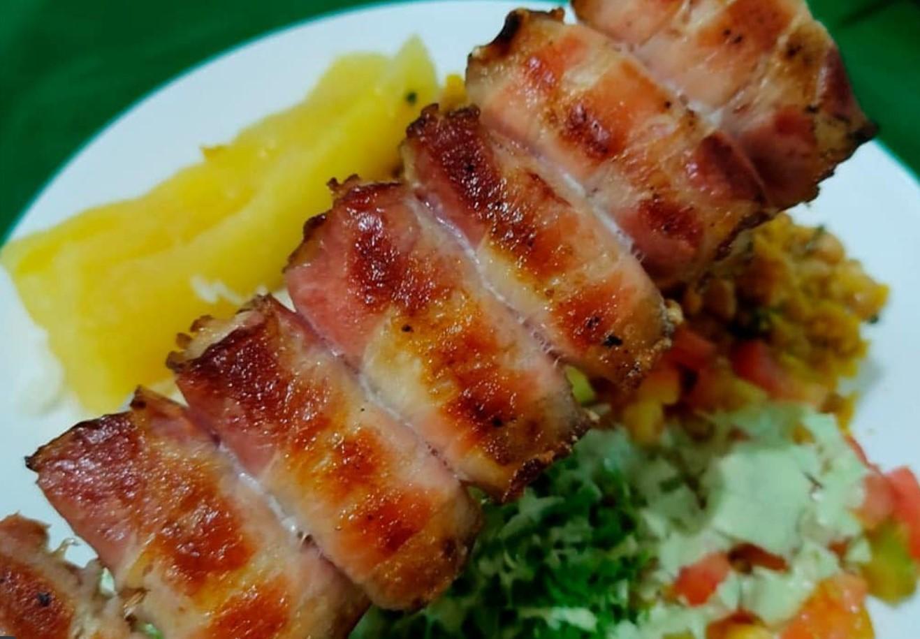 Espetinho de frango é opção no Espetinho da Lucimar, destaque entre os espetos em Aparecida de Goiânia