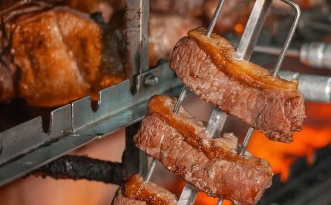 Churrascaria do Tonhão é opção para comer um bom churrasco em Aparecida de Goiânia